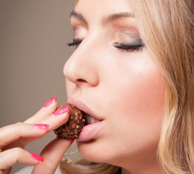 How To Naturally Reduce Food Cravings