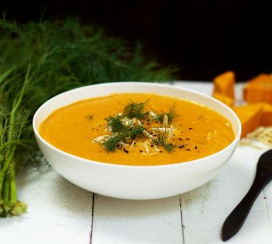 Creamy Curried Pumpkin Soup (Raw + Vegan)